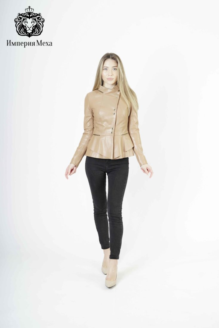 Кожаная куртка женская 2437