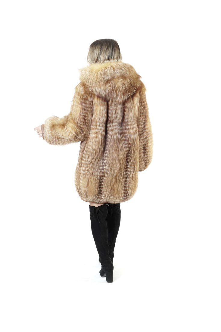 Шуба из меха лисы Меховая Мода 415-35