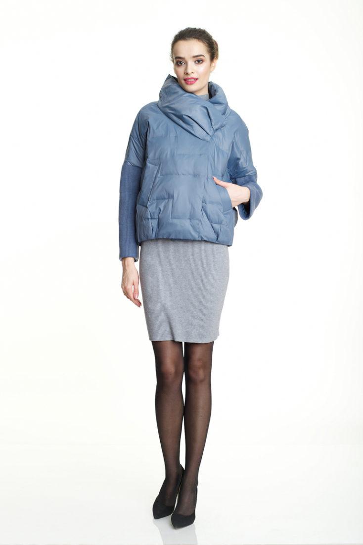 Куртка голубая 136